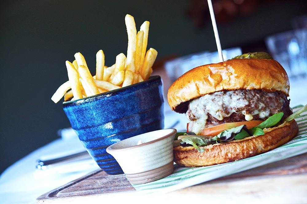 burger-three-crowns