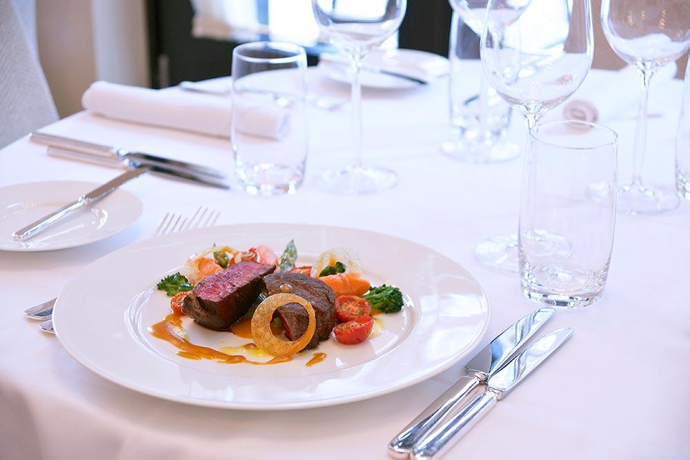 steak-on-table-2